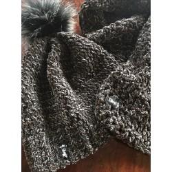 Zimná čiapka s brmbolcom + šál